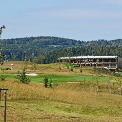 12 kacov panorama golf resort klubovna